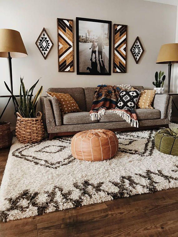 Stunning Living Room Wall Decoration Ideas 32