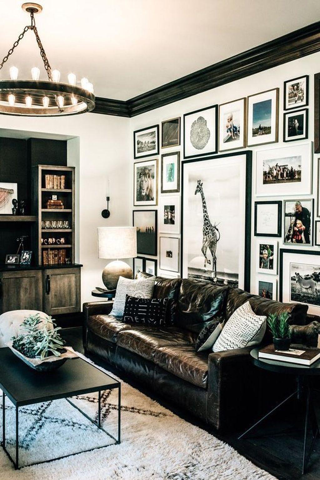 Stunning Living Room Wall Decoration Ideas 55